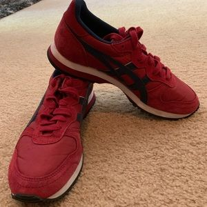 ASICS red Us 6.5